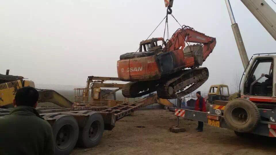 拉萨市沃尔沃挖掘机维修-24小时赶到现场