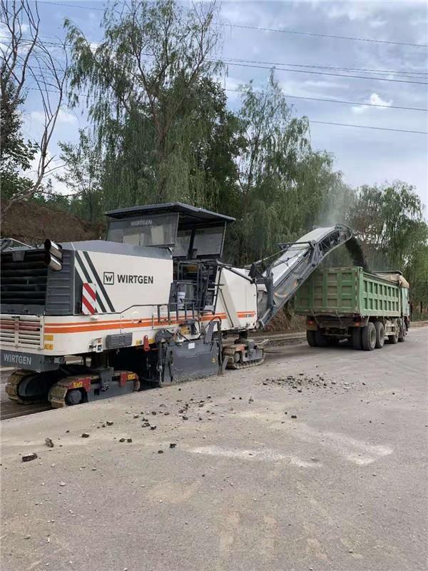 沁阳26吨压路机出租(绿地租赁)